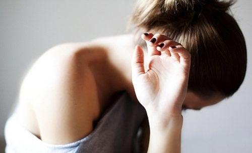 Quand vous pleurez la perte d'une personne, êtes-vous triste pour elle ou pour vous ?
