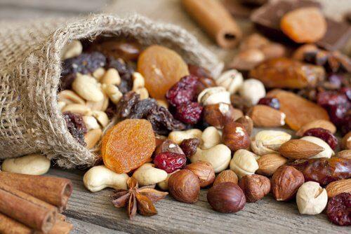 Les fruits secs, des aliments énergétiques à consommer quotidiennement.