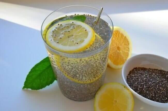 consommer des graines de chia au petit-déjeuner : supplément de protéines