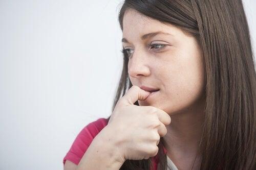 comment arrêter de son ronger les ongles