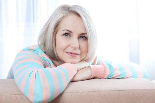 bienfaits de la racine de maca : contrôle des symptômes de la ménopause