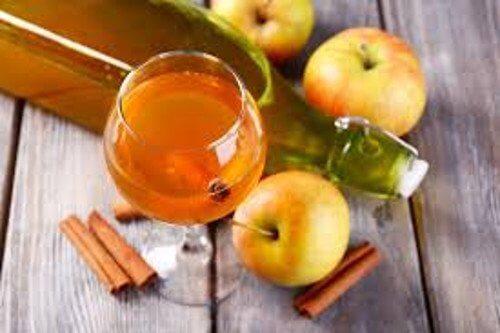 Les 8 bienfaits d'une cuillerée de vinaigre de pomme par jour