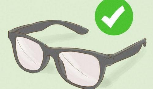 4 astuces indispensables pour prendre soin de ses lunettes
