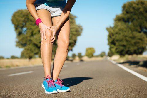 douleur au genou : choses à ne pas faire
