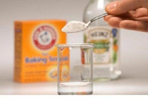 désinfecter matelas et oreillers grâce au bicarbonate de soude et au vinaigre