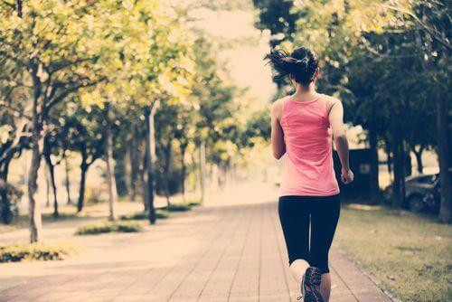 5 astuces pour vous maintenir en forme même si vous avez peu de temps