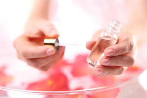 L'huile de rose pour se libérer de l'acné.