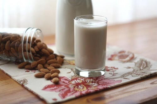 aliments trop sucrés lait d'amande
