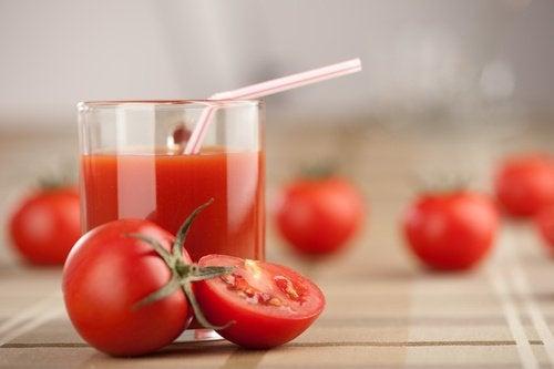 La tomate pour les pores.