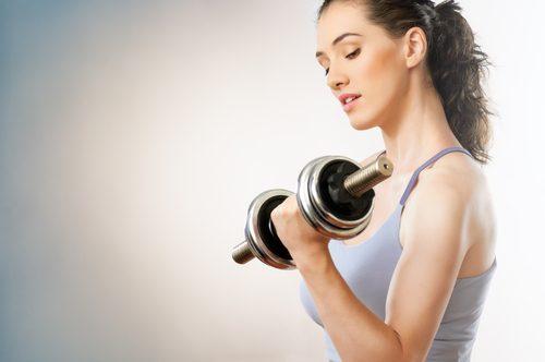 Les flexions et les extensions pour renforcer les bras.