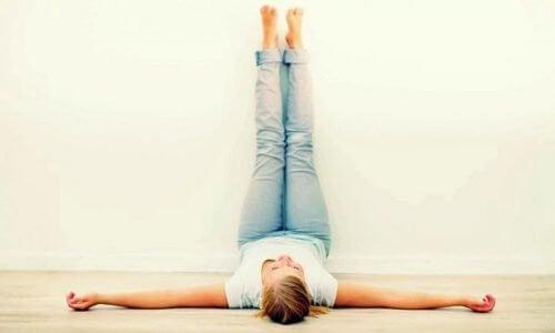 Mettez vos jambes en l'air chaque jour