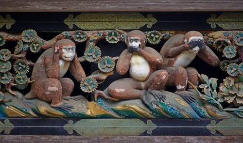 """L'enseignement des """"trois singes sages"""""""