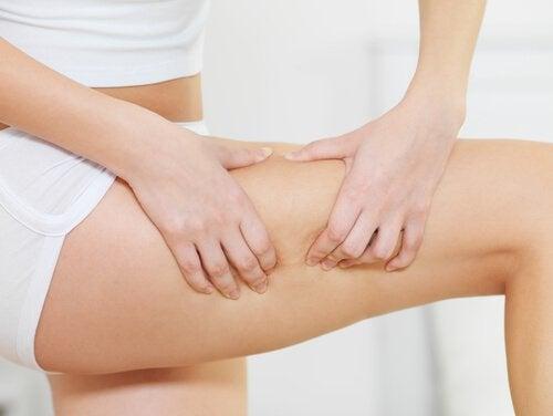 Boisson médicinale au lin pour traiter la cellulite