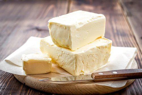 Diminuer la consommation de cholestérol et de beurre.