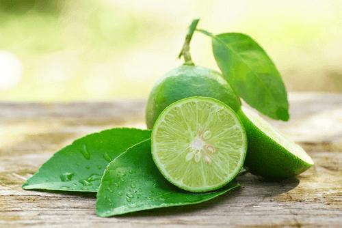 Le citron contre l'inflammation des gencives.