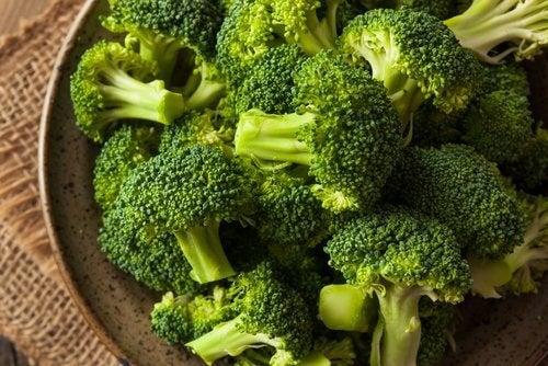 aliments pour dépurer le foie de façon naturelle : brocoli