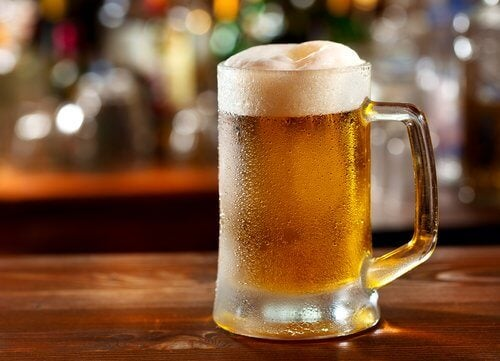 La bière et la goutte.