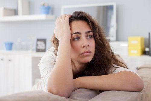 L'apathie peut être un symptôme de l'hypothyroïdie.