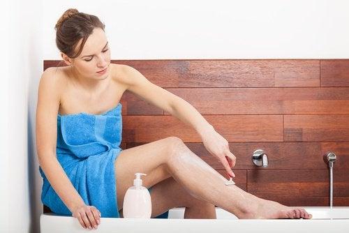 Crème naturelle pour l'élimination des poils.