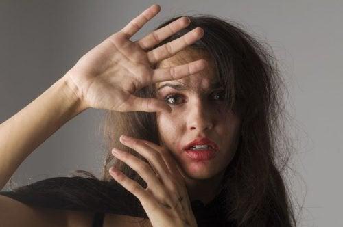 5 signes qui caractérisent les femmes maltraitées