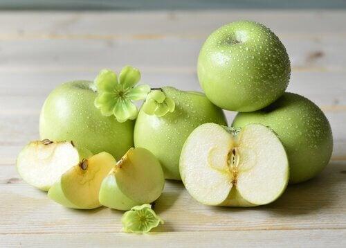 La pomme pour la peau.