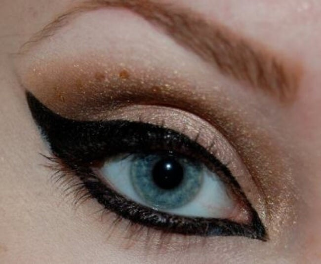 maquillage des yeux : cat eye