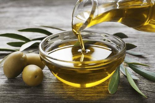 L'huile d'olive pour la tension.