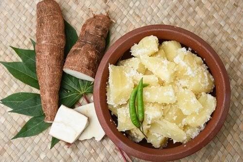 9 propriétés médicinales du yuca, ou manioc