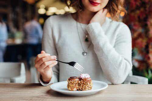 7 choses à éviter après manger