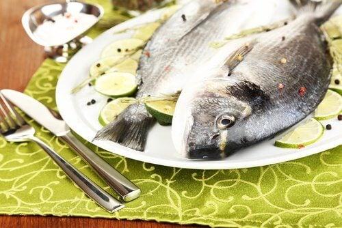 le poisson, qui contient des protéines