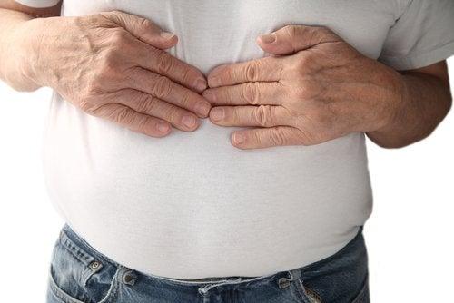 Les vêtements trop serrés peuvent provoquer des problèmes de respiration.