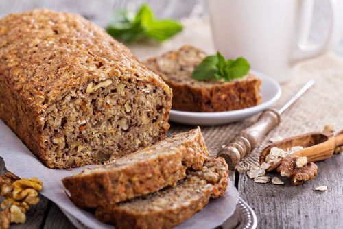 Délicieux pain à l'avoine, à la banane et aux noix sans gluten et sans lactose