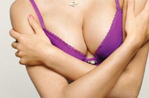 6 règles de base pour garder une poitrine ferme