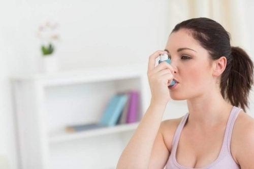 L'asthme provoqué par l'allergie de printemps : un problème qui a une solution