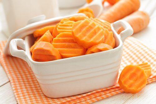 aliments pour blanchir les dents naturellement : carotte