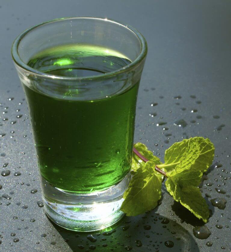 Préparation de l'eau verte.