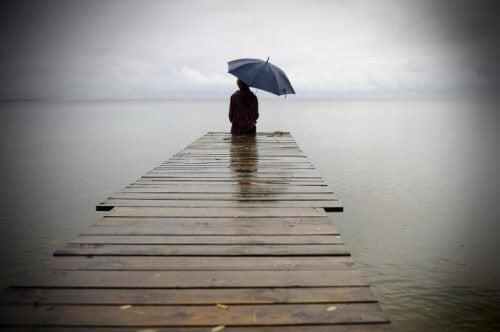 Être seul-e fait mal mais on ne peut guérir que grâce à la douleur