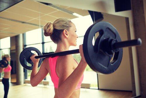 8 choses à ne jamais faire à la salle de sport