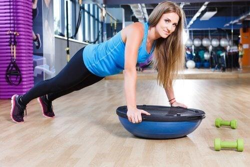 Exercices pour les abdominaux.