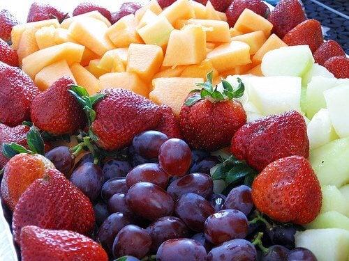 des fruits pour combattre les stries