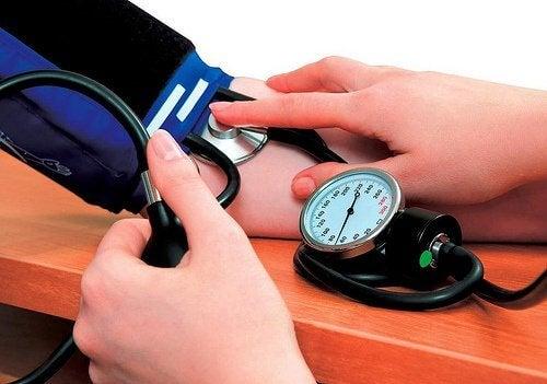 7 remèdes naturels pour réduire l'hypertension