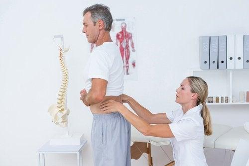 10 remèdes maison contre le mal de dos