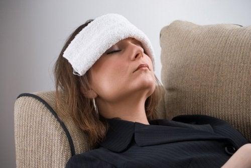 Compresse contre les maux de tête.