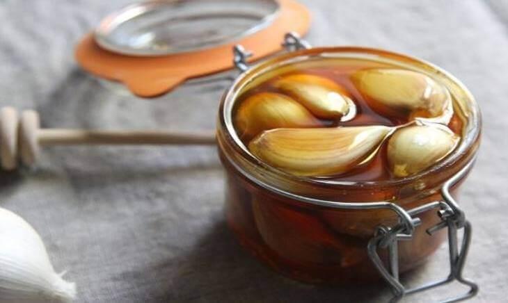 bienfaits de consommer ce remède ail et miel