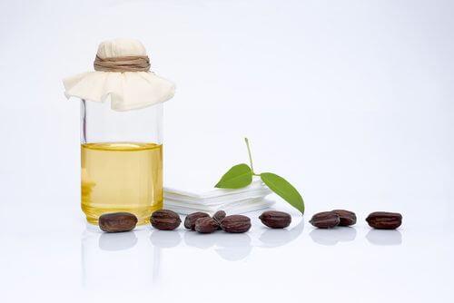 Des huiles pour les peaux grasses.