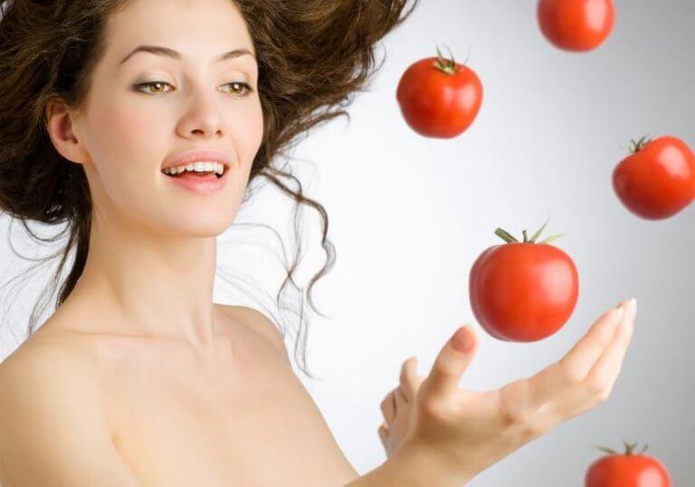 Manger des tomates
