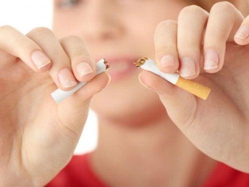 15 stratégies psychologiques pour arrêter de fumer qui fonctionnent