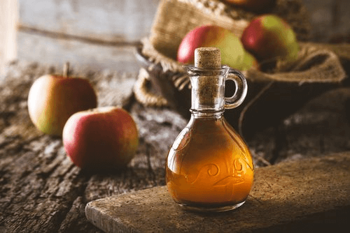 le vinaigre de pomme est un des 4 remèdes maison pour éliminer les puces