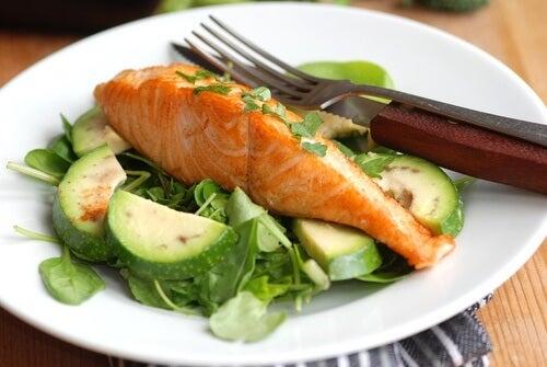 Choisissez les meilleurs aliments pour perdre du poids.