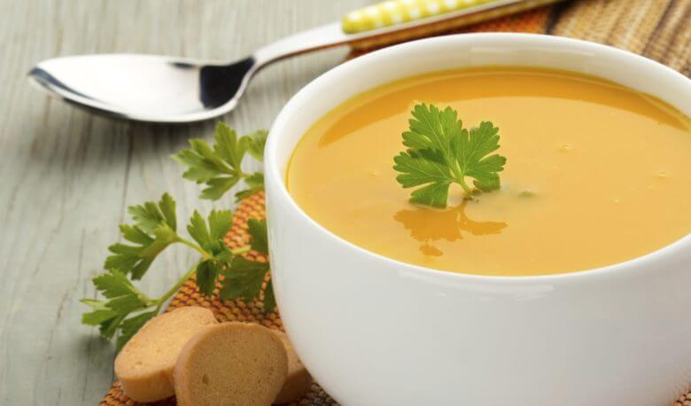 Commencez par une soupe pour perdre du poids.